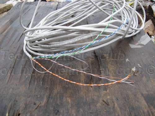 A network cable for making a coil of an oscillatory contour and contacts